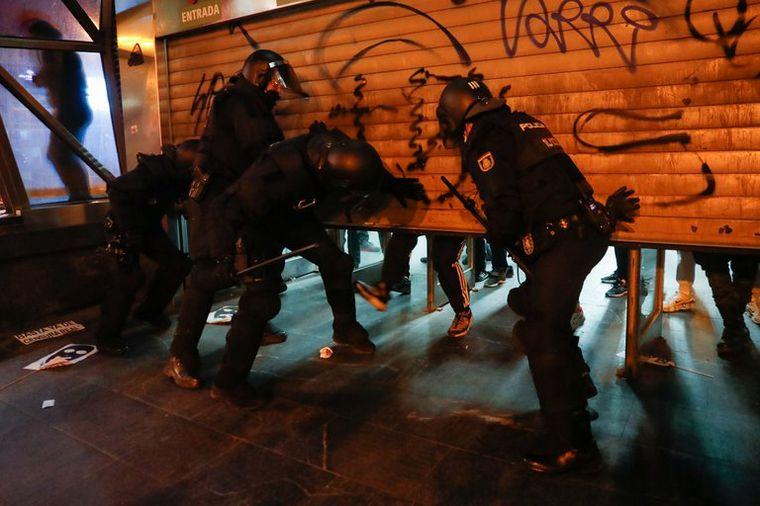 FOTO: Tensión en España (Foto: Reuters/Susana Vera)