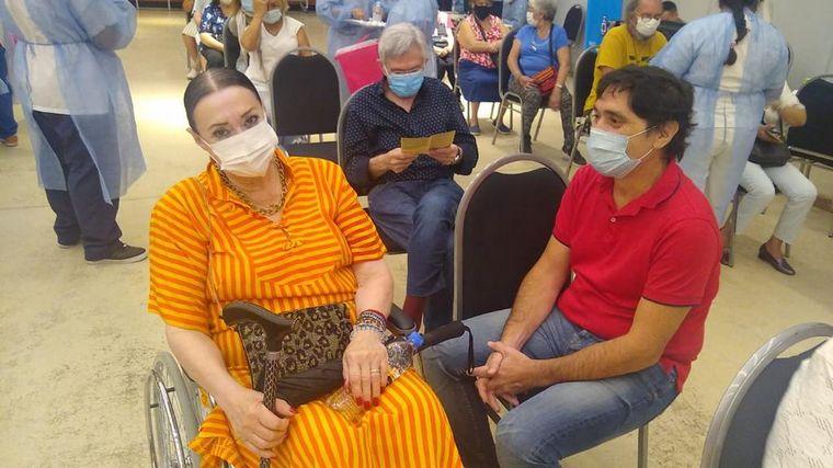 FOTO: Vacunaron contra el coronavirus a Rony Vargas.