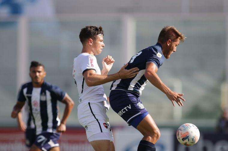 FOTO: Tras un partido vibrante, Talleres y Newell's empataron 2-2