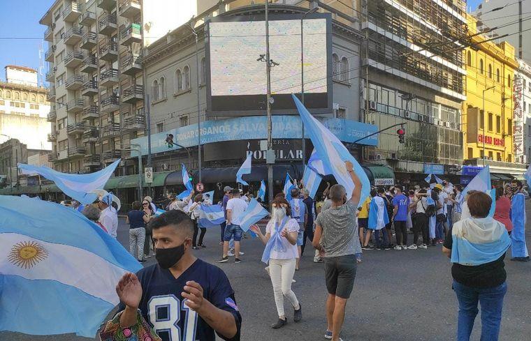 FOTO: Marcha en Cordoba por vacunas VIP.
