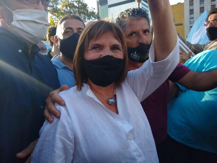 FOTO: Marcha en Buenos Aires por vacunas VIP