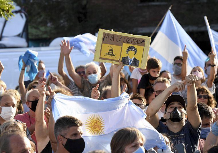 AUDIO: Santa Cruz se sumó a la masiva marcha nacional #27F en repudio al vacunatorio VIP