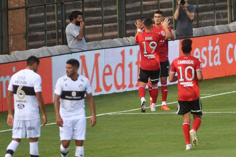 AUDIO: 1° Gol de River a Platense (Suárez)