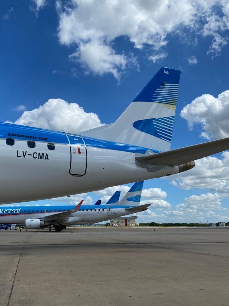 FOTO: Se pintó en FAdeA el primer avión de AA y Austral