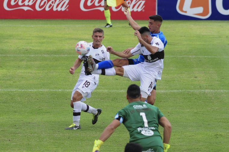 FOTO: Godoy Cruz le ganó a Platense 3-1 en el estadio Malvinas Argentinas