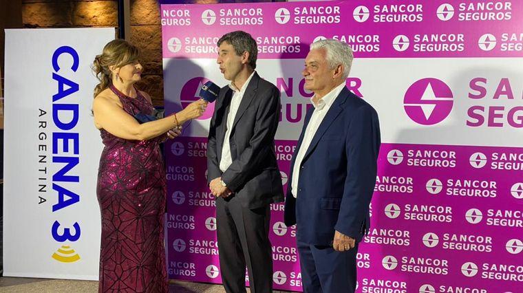 FOTO: Enzo Olocco y Osiris Trossero de SanCor Seguros.