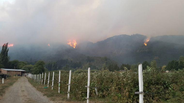 FOTO: El Hoyo, la localidad más afectada por los incendios en La Comarca Andina.