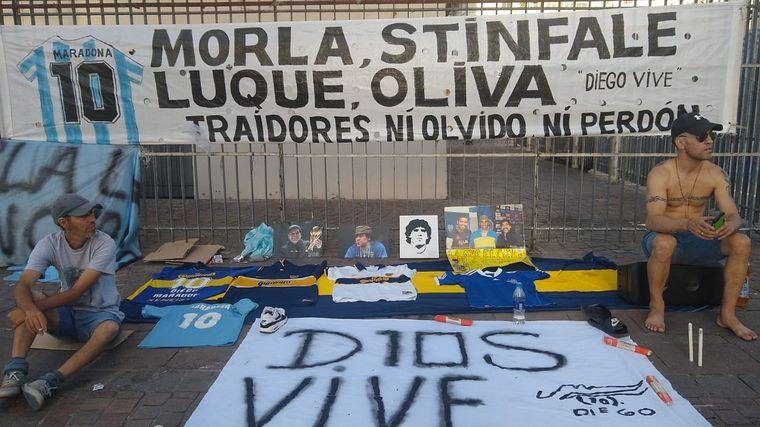 FOTO: Los manifestantes sostienen que a Diego