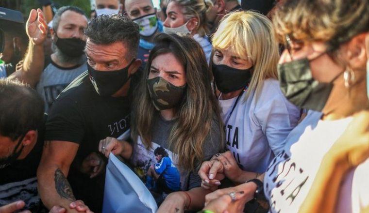 FOTO: Nuevos mensajes donde Luque insulta a las hijas de Maradona