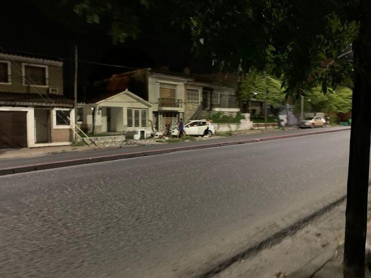 FOTO: Terrible colisión en Córdoba dejó viviendas sin luz ni agua
