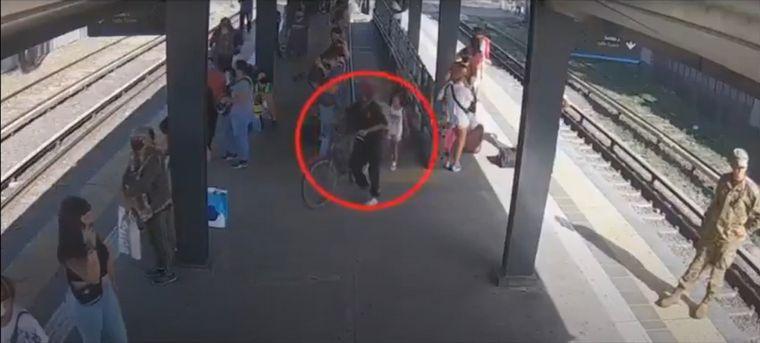 AUDIO: Un video muestra a Maia con su secuestrador