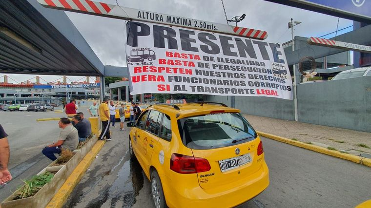 AUDIO: Taxistas paran en Córdoba contra el transporte ilegal