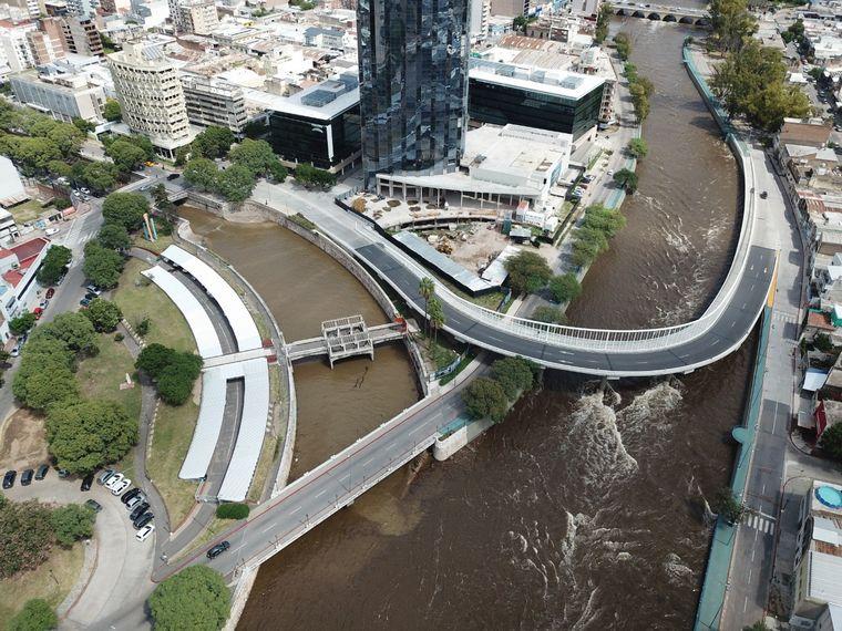 FOTO: Asi luce el Rio Suquía tras las lluvias.