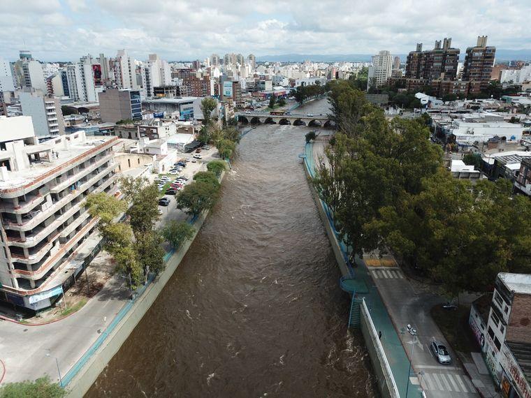 FOTO: Imágenes de la crecida en la Costanera de Córdoba (Fotos: Municipalidad de Córdoba)