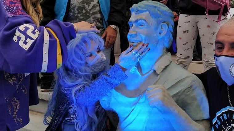 AUDIO: Presentaron la escultura del