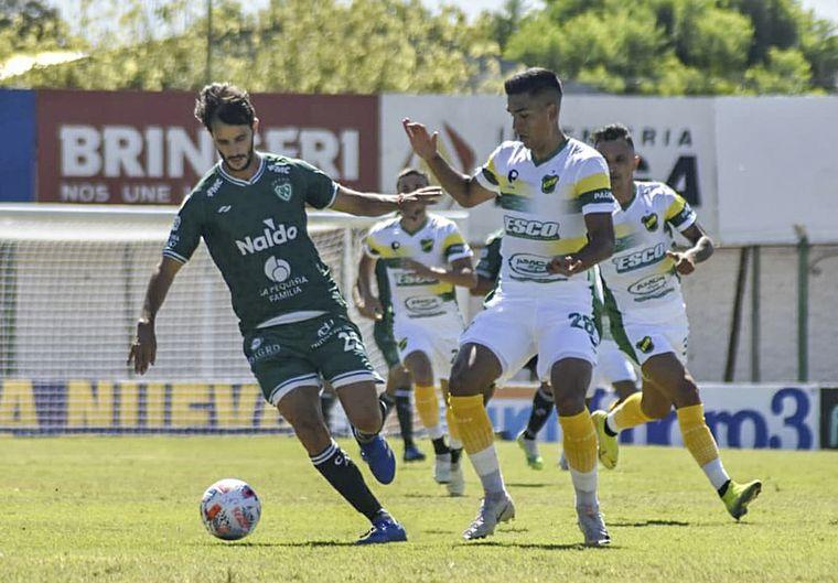 FOTO: Sarmiento ganó por 3-1 y sumó su primera victoria