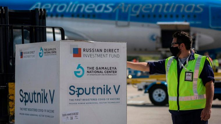 AUDIO: Llegaron al país 370 mil dosis de la vacuna Sputnik V