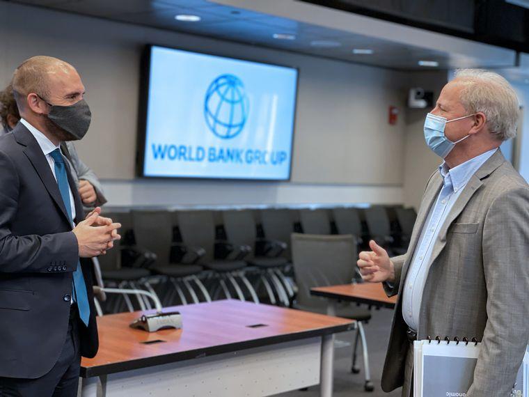 FOTO: Guzmán se reunió con el director Gerente de Operaciones del BM, Axel van Trotsenburg.