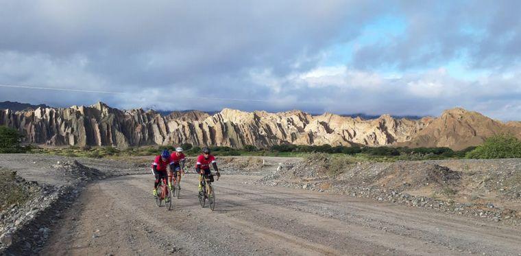 FOTO: Imágenes de la travesía en bicicleta por la ruta 40.