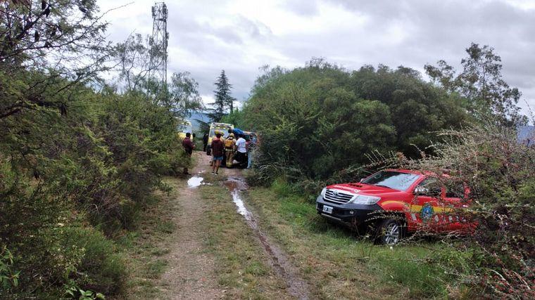 FOTO: Una pareja cayó de tres metros en la aerosilla de Los Cocos.