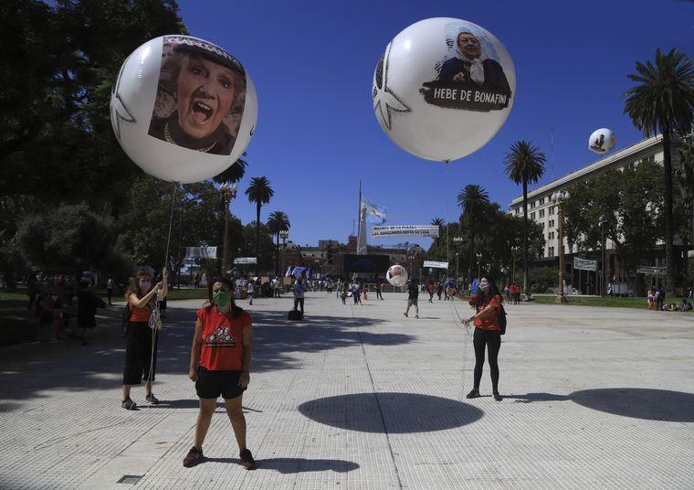 FOTO: Caravanas, marchas y concentraciones en todo el país por el Día de la Memoria.