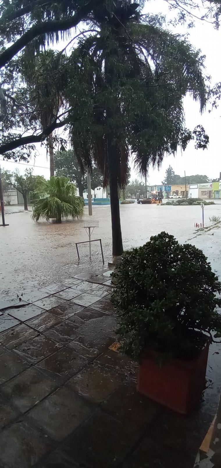 FOTO: Complicaciones en Santa Fe por intensas lluvias