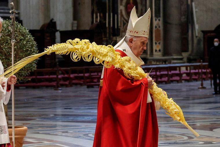 FOTO: El Papa celebró Domingo de Ramos sin procesión de fieles (Foto: Getty Images)