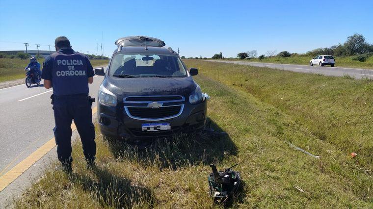AUDIO: Lo chocaron, quedó tendido en el asfalto y se salvó que lo atropellaran