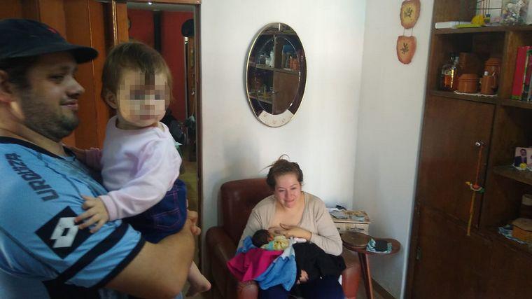 AUDIO: Hallan un bebé en la vía pública en Villa Martínez