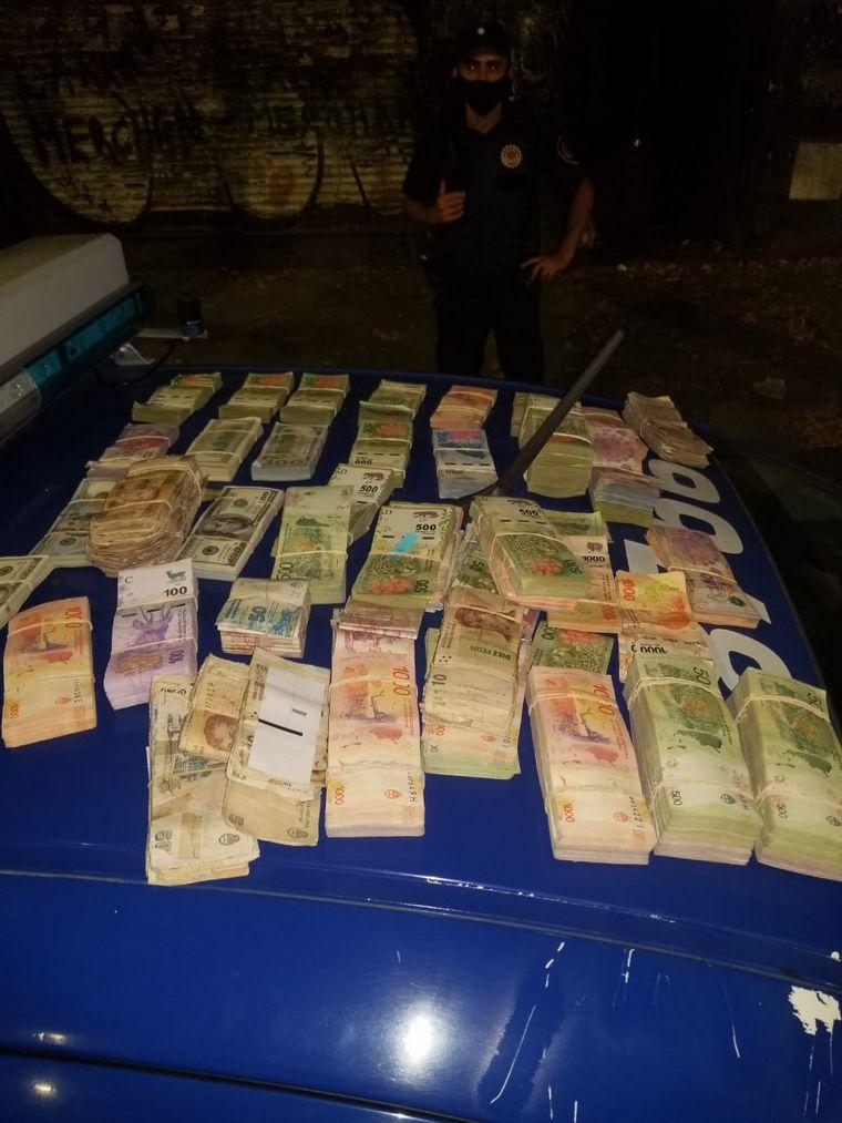 FOTO: Frustan el robo a Tienda Los Ángeles.