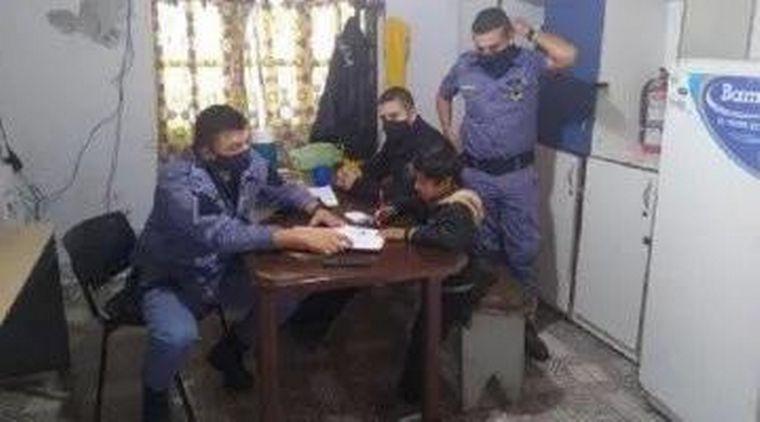 AUDIO: Su hijo no quería hacer la tarea y pidió ayuda a la Policía