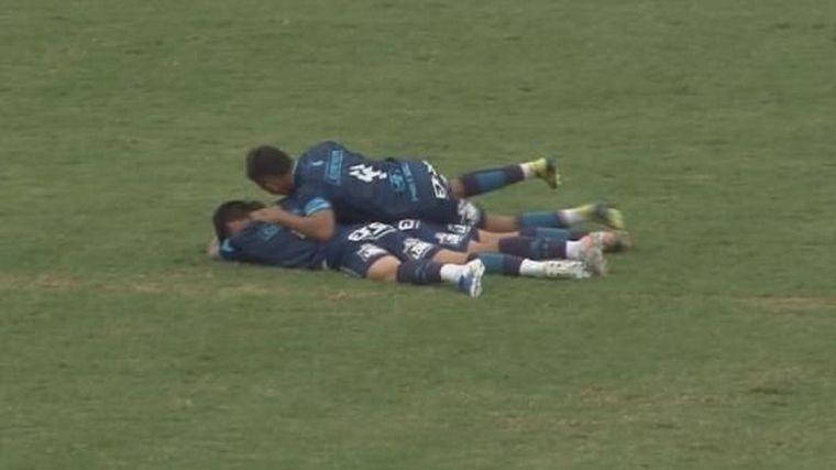 El gol desde más de 90 metros que deslumbró en el ascenso - Fútbol - Cadena  3 Argentina