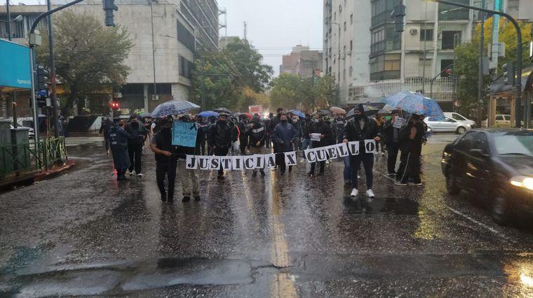 FOTO: Realizan un corte de media calzada tras la muerte de Gustavo Cuello.