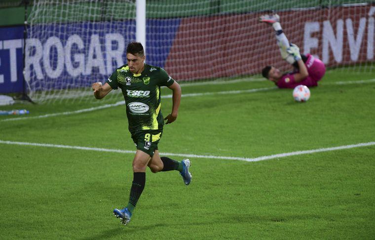 FOTO: Con goles en contra, Defensa le regaló el empate a Talleres