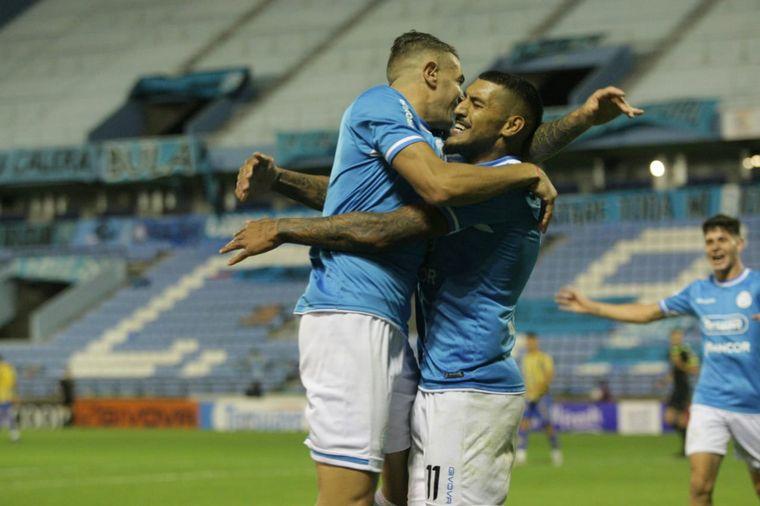 FOTO: Atlanta le arrebató al victoria a Belgrano en Alberdi.