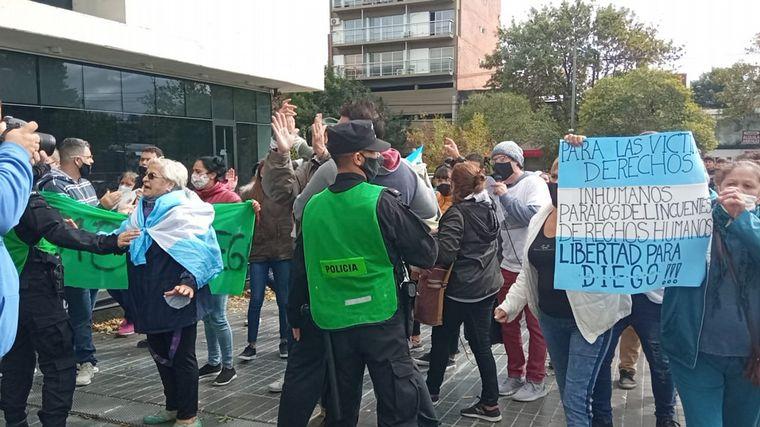 FOTO: Incidentes en la marcha por el joven que mató a dos ladrones