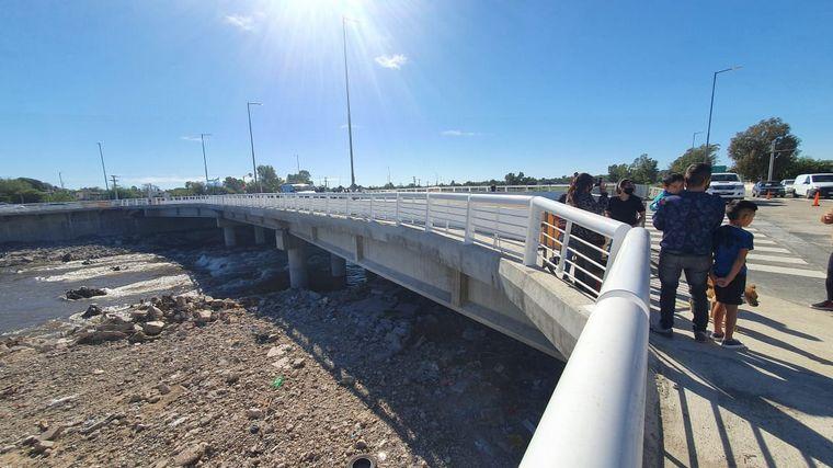 FOTO: Inauguración Puente Sargento Cabral.