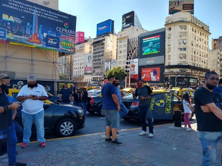 AUDIO: Reclamo de taxistas por tarifas y Uber en Capital Federal