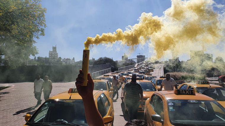 AUDIO: Taxistas presentaron un anteproyecto contra Uber en Córdoba