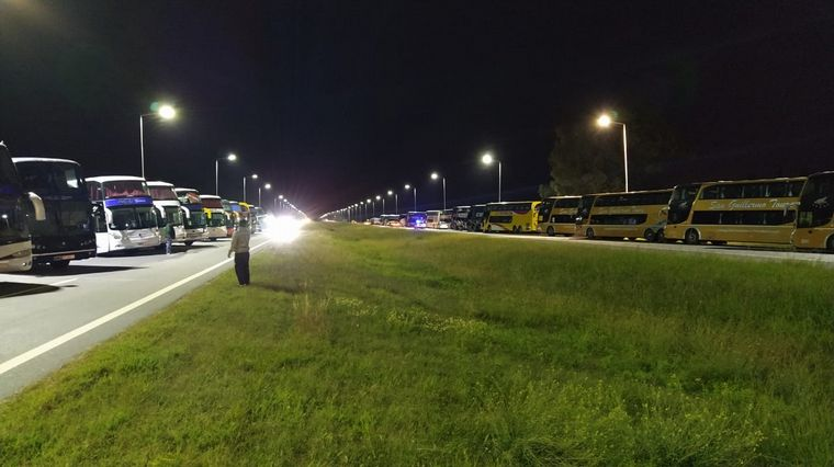 AUDIO: Cortan media calzada de la autopista Córdoba-Rosario