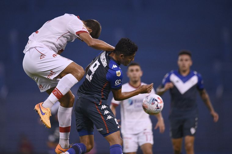 FOTO: Vélez y Huracán se enfrentaron este viernes por la Copa de la Liga Profesional