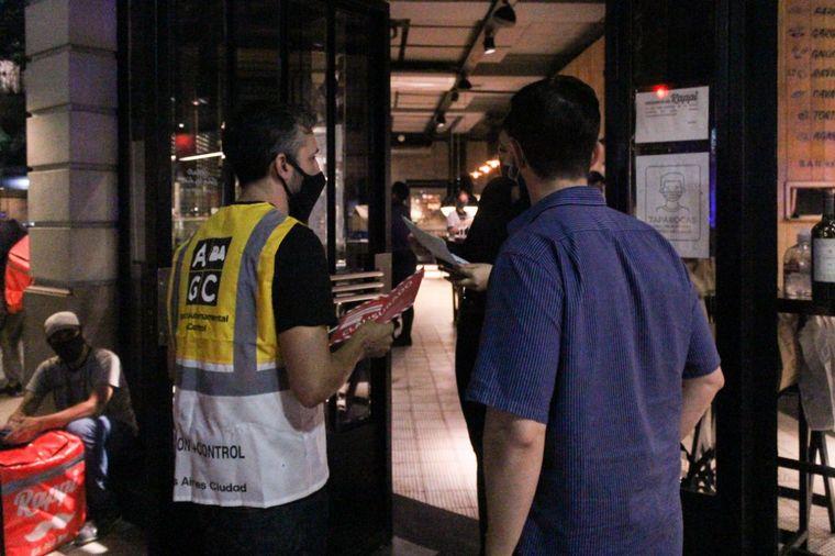 AUDIO: Bares y restaurantes acatan medidas en Buenos Aires