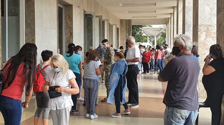 FOTO: Casi el 30% de la Argentina recibió la primera dosis