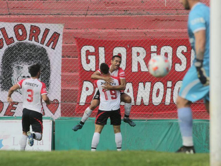 "FOTO: Landa igualó el marcador para ""La Gloria""."
