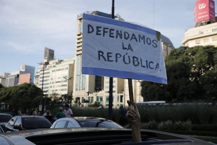FOTO: Manifestantes en Buenos Aires (Foto: Santiago Filipuzzi).