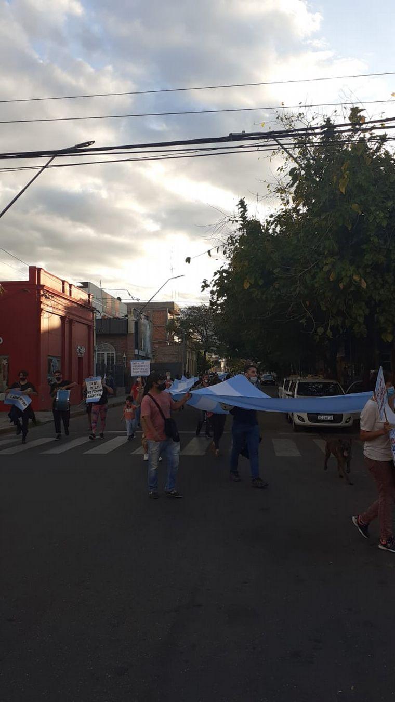 FOTO: Comerciantes manifiestan en La Rioja.