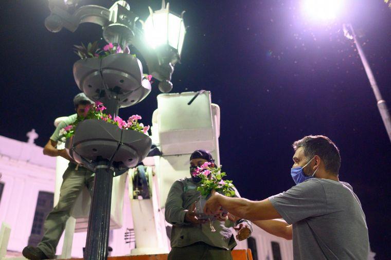 AUDIO: Colocan macetas con riego autónomo en la Plaza San Martín