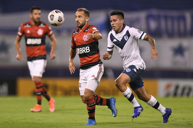 FOTO: Vélez Sarsfield y Flamengo, de Brasil, se enfrentaron en la noche de este martes