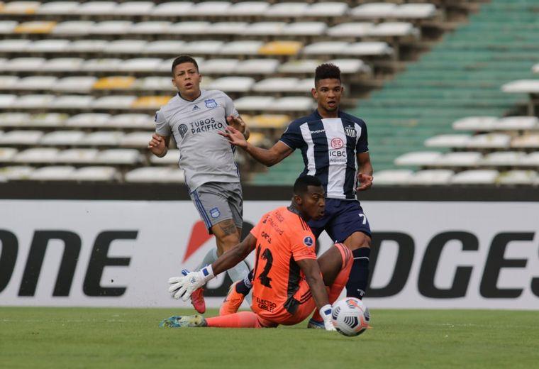 FOTO: Talleres recibe a Emelec de Ecuador en el Kempes.