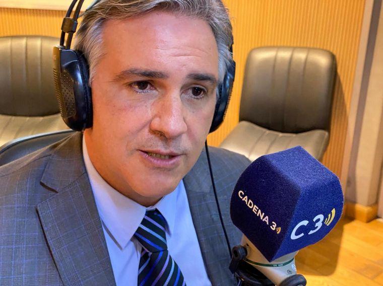 FOTO: Martín Llaryora visitó los estudios de Cadena 3.